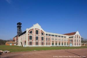 Façade du bâtiment des machines de la fosse n°9-9bis à Oignies