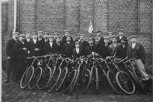 Le cyclisme était parmi les activités sportives les plus pratiquées par les mineurs